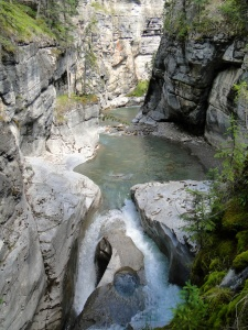 Maligne Canyon Hike