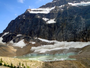 Mt. Edith Cavell - glacier fed lake